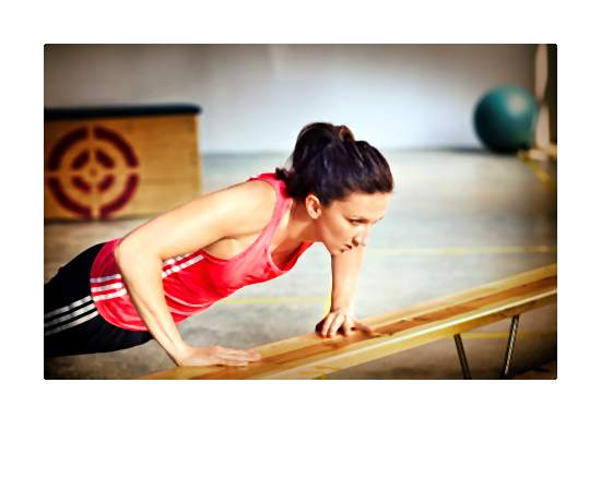Wszystkie aktywne dziewczyny, w tym biegaczki, nie powinny zapominać o ćwiczeniach siłowych i stabilizacyjnych.